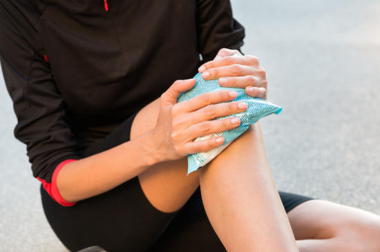 Icing the knee helps in reducing the inflammation